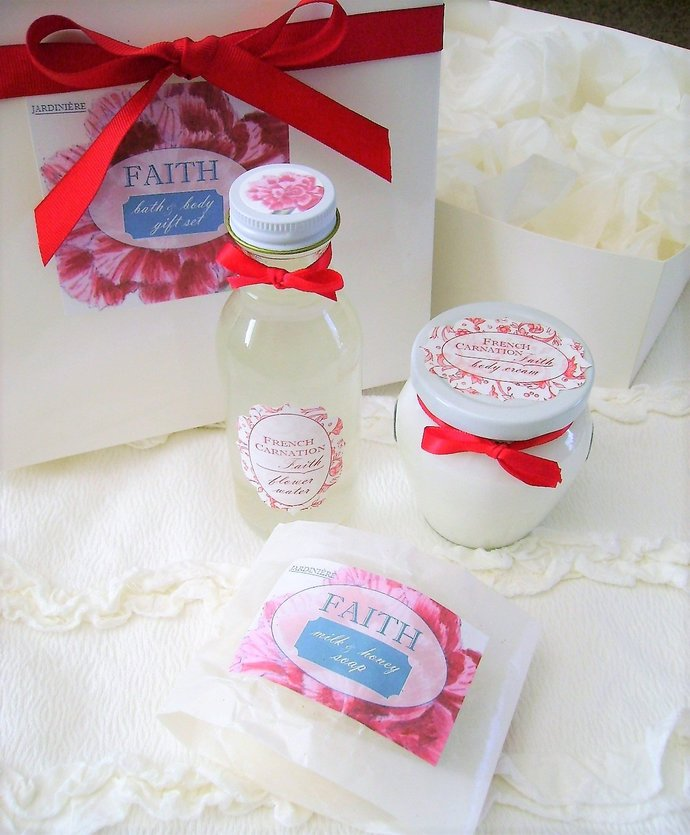 Natural Bath & Body Gift Set in Glass