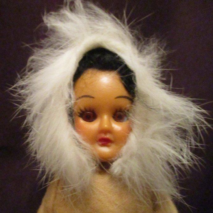 Eskimo doll vintage/retro