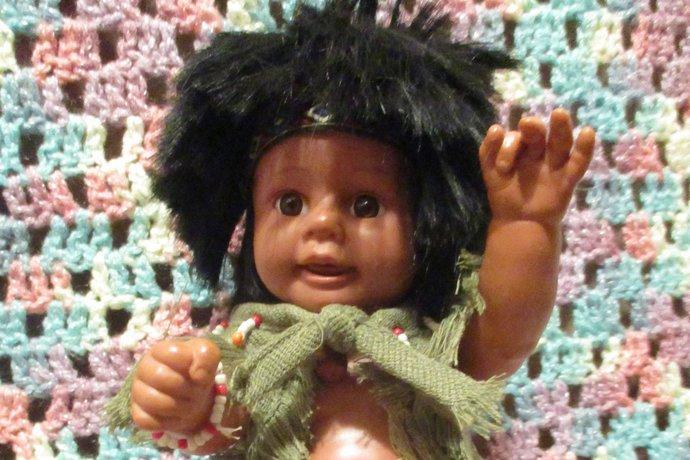 Native American babes vinyl doll set boy and girl Yas and Yepa