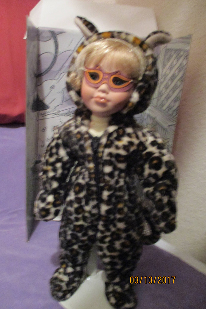 WIZJA Do leopards change their spots? October month doll blonde doll/kitty or