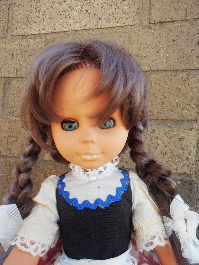 haunted>Italian doll w/ no maker's mark rare and different Giada the teenage
