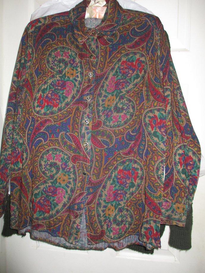 Vintage romantic paisley shirt 80s era rayon blend sz. medium but smallish