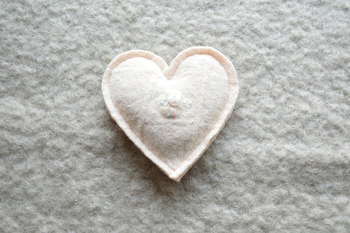 One Lavender Filled Heart Sachet - Peach Wool with Embroidered Flower