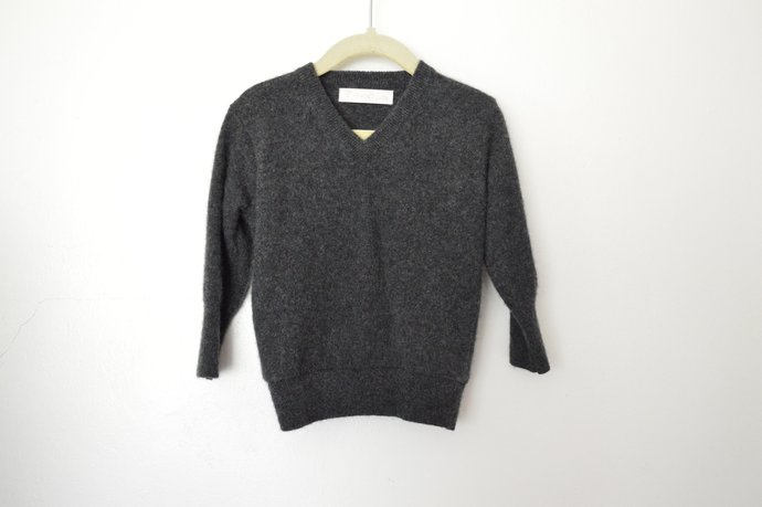 Babies Infants Dark Grey V-Neck Cashmere Pullover Sweater Size 18-24 months