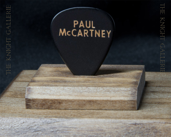 Authentic guitar pick and display case: Paul McCartney