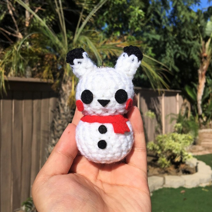 Snowman Pikachu Keychain - Crochet & Amigurumi