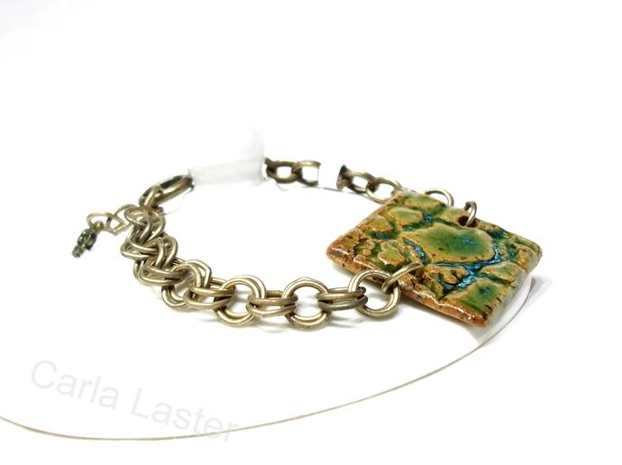 Adjustable bracelet. Olive green ceramic bracelet with double link vintage