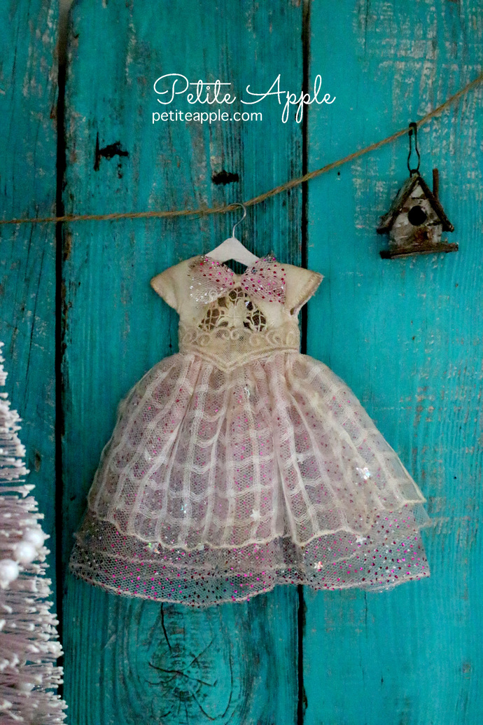 Blythe/Pullip doll OOAK dress- *Holiday fairy* vintage embroidery
