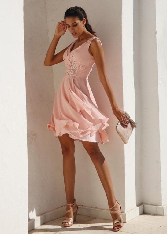Showy Chiffon V-neck Neckline Short A-line Homecoming Dresses With Beadings