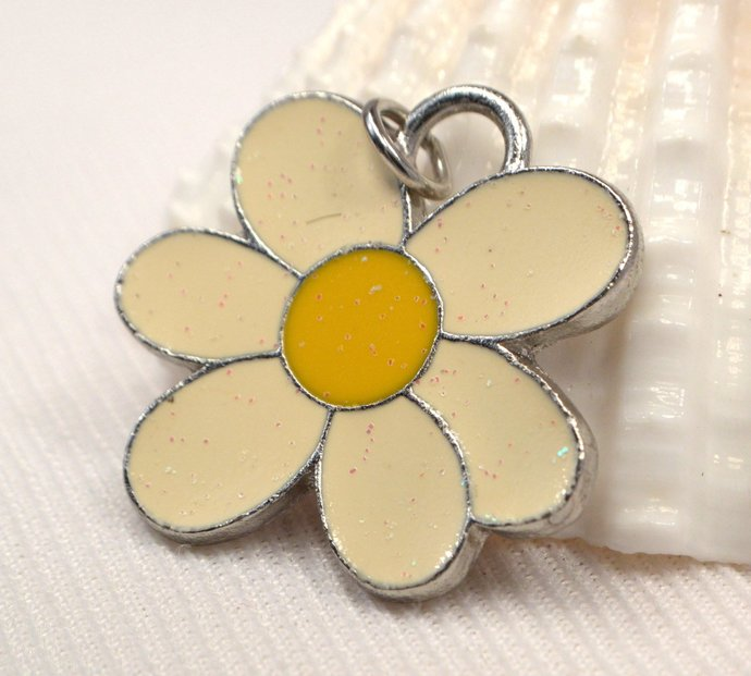 Vintage Daisy Pendant Charms, Yellow Flower Metal Charm, Retro Glow In The Dark