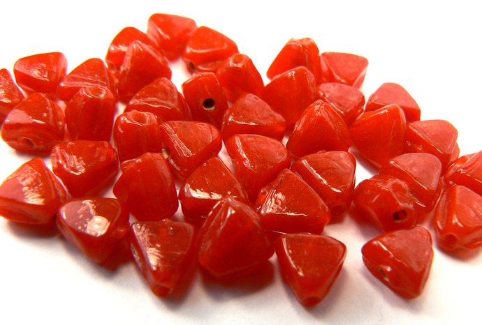 Cherry Red Glass Bead Lot, 30 Loose Red Beads, Fire Engine Red Triangle Beads,