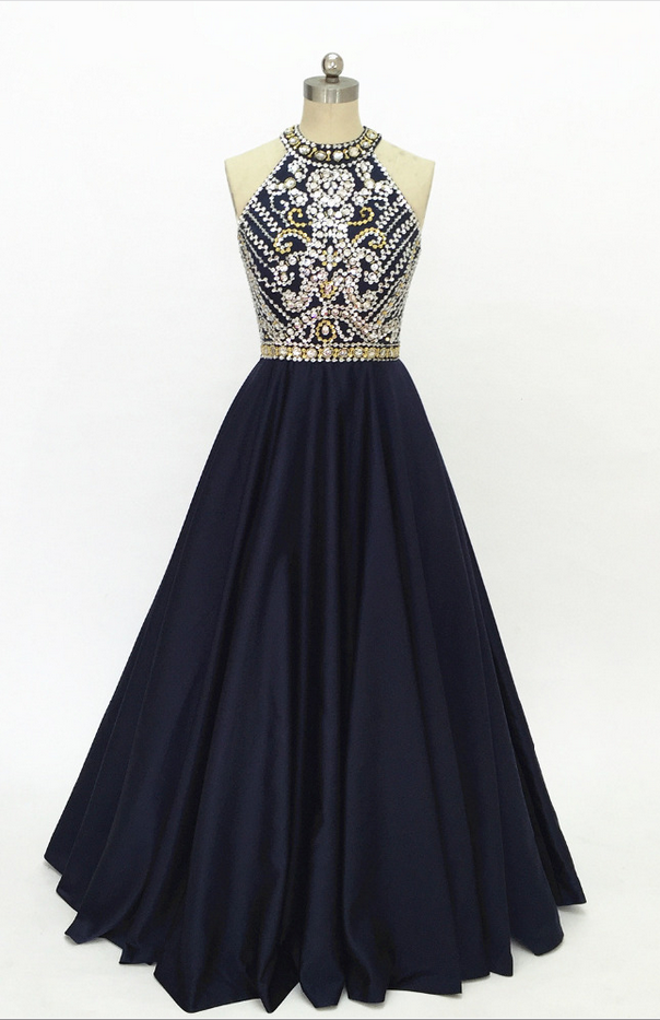 The satin ball gown of dark blue dress custom-made for the back of the back