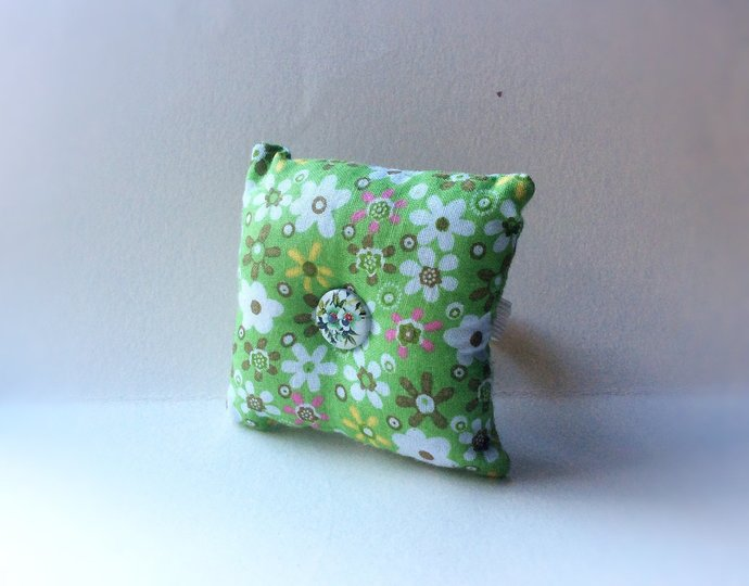 Handmade Nature Design Square Wrist Pin Cushion ( Approximately 8cm )