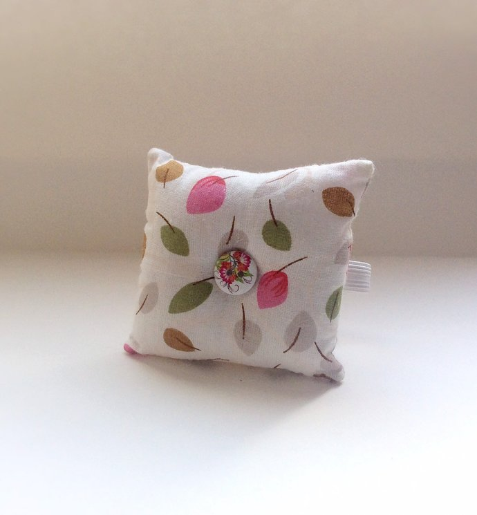 Handmade Leaf Design Square Wrist Pin Cushion
