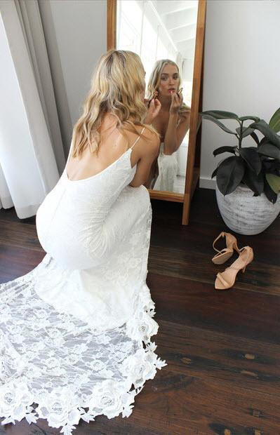 Wedding Dresses Sexy Backless Ivory Tulle with Lace