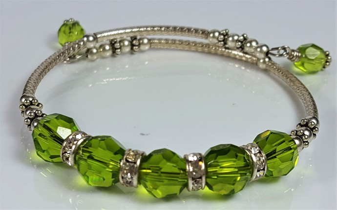 PERIDOT SWAROVSKI JET  BANGLE STYLE BRACELETS ON STG MEMORY WIRE HAND MADE  !!
