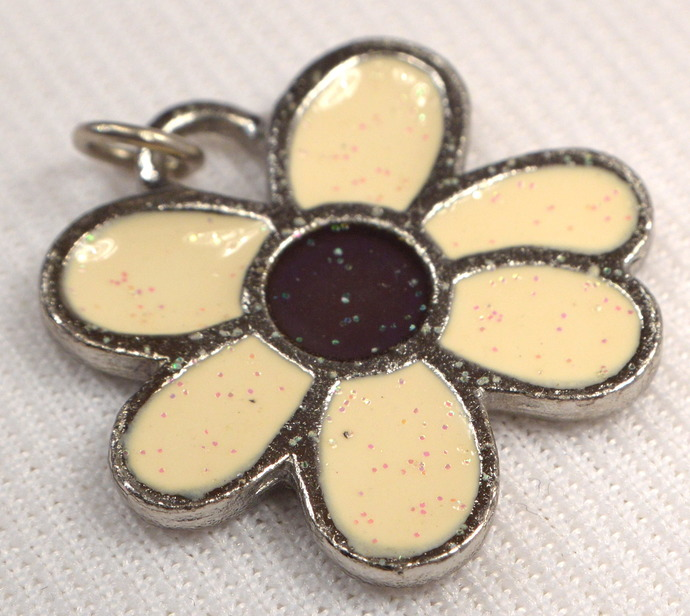 Ivory Daisy Pendant Charm, Vintage Flower Metal Charm, Retro Glow In The Dark