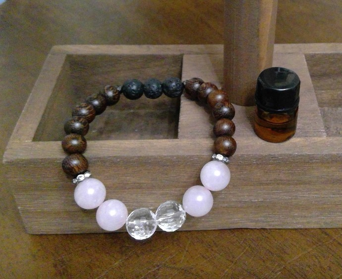 Rose Quartz and Crystal Quarts (size 10mm) Bracelet with Magkuno wood beads