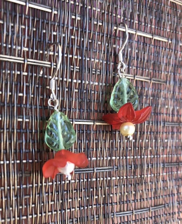 Lovely Lucite Flower Earrings