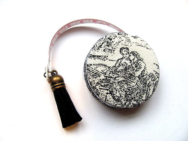 Tape Measure in Toile Retractable Measuring Tape