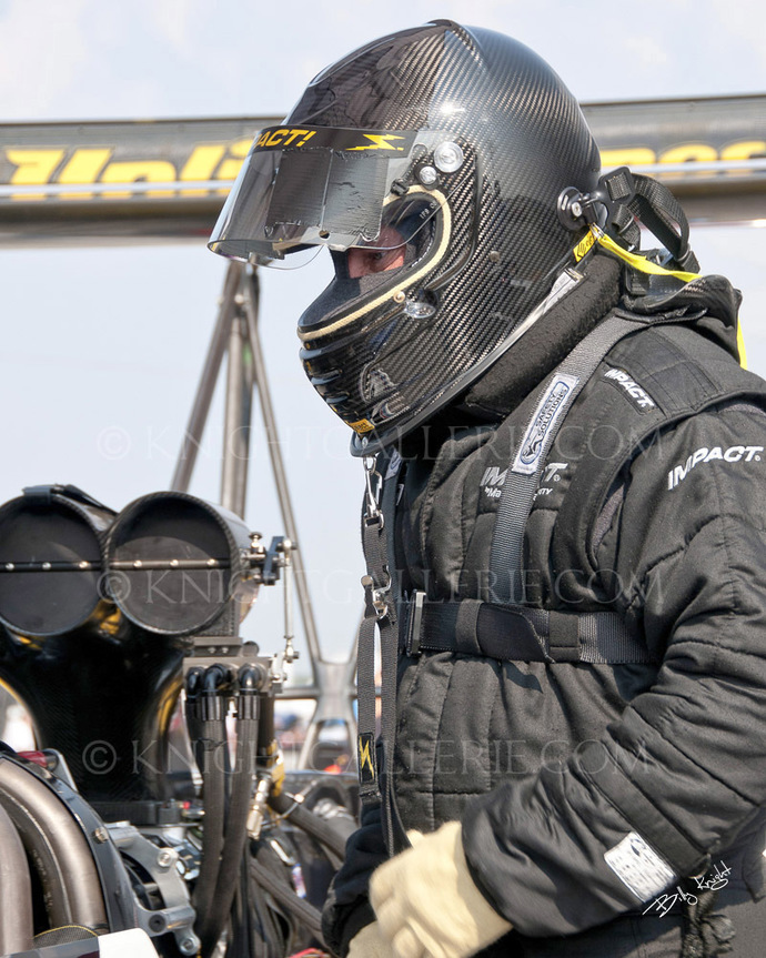 Drag Racing Image: Suiting Up!