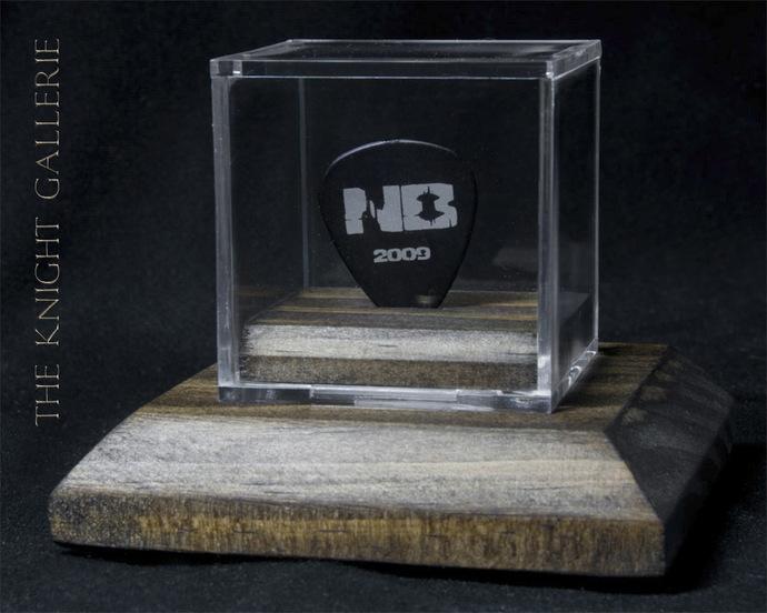 Authentic guitar pick and display case: Nickelback / Ryan Peake