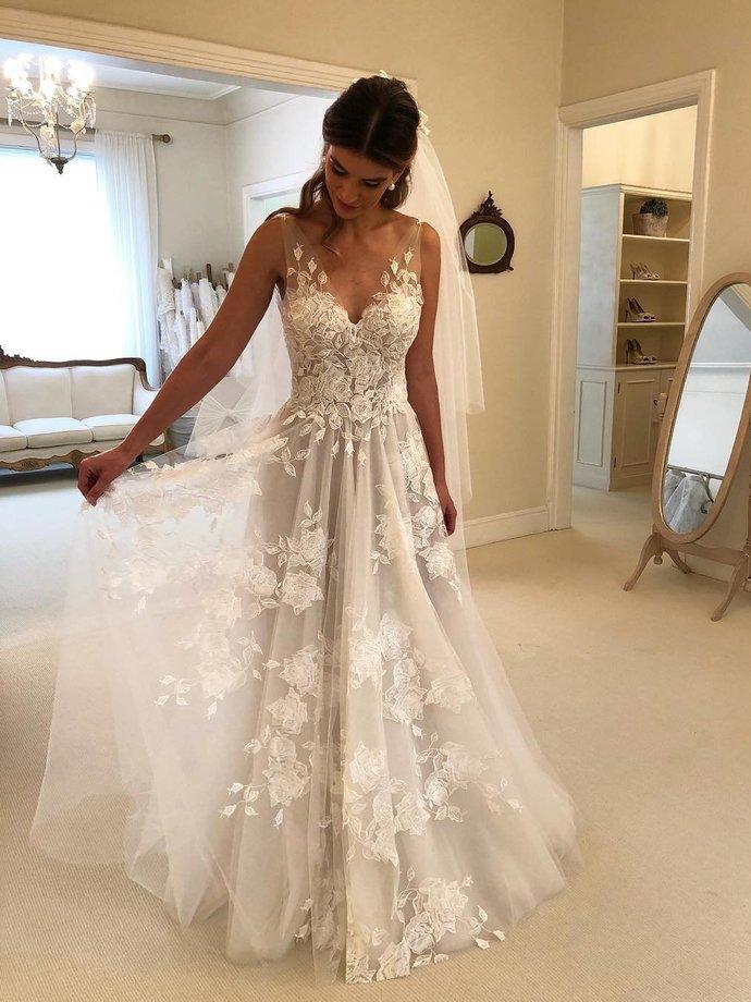 Sexy Appliques V neckline A Line Wedding Dress, Charming Lace Wedding Dresses
