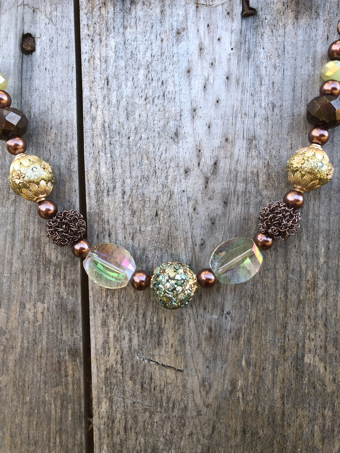 Chunky Necklace in Sparkly Neutrals