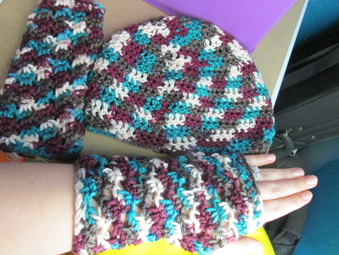 Woman's Hat and Hand Warmers set