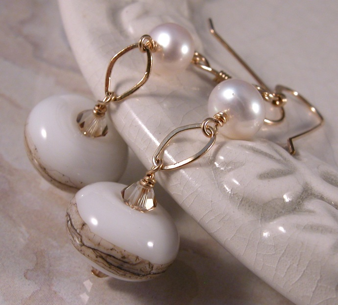 Golden Pearls Earrings - gold white beige freshwater pearls swarovski crystals