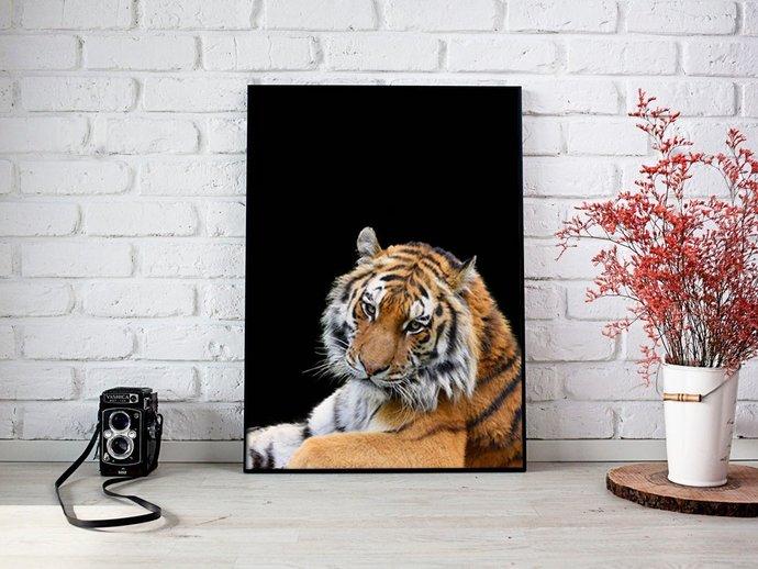 Digital Tiger on black fon Print, Digital Printables Wall art prints, Digital