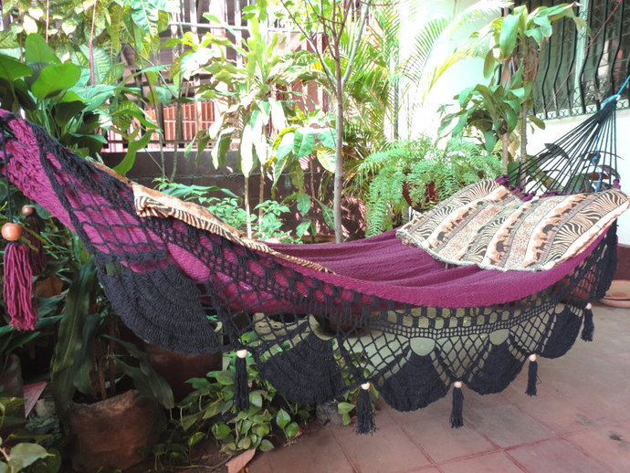 Red Wine & Black Jumbo Size Hammock hand-woven Natural Cotton Special Fringe