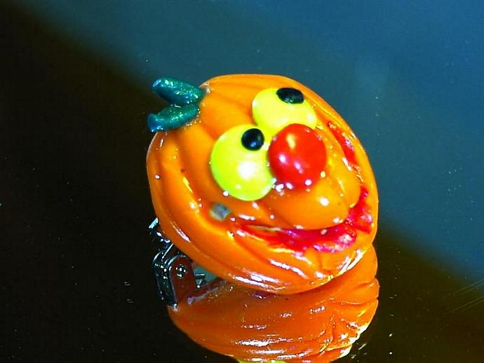 jolly polymer clay jack o lantern pin v3