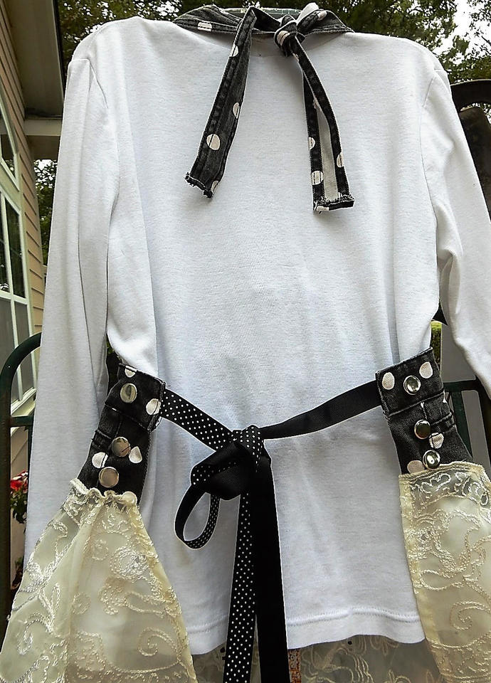 Full Apron with Lace- Polka Dots and Lace -One-of-a-Kind -  Full Teen or Petite