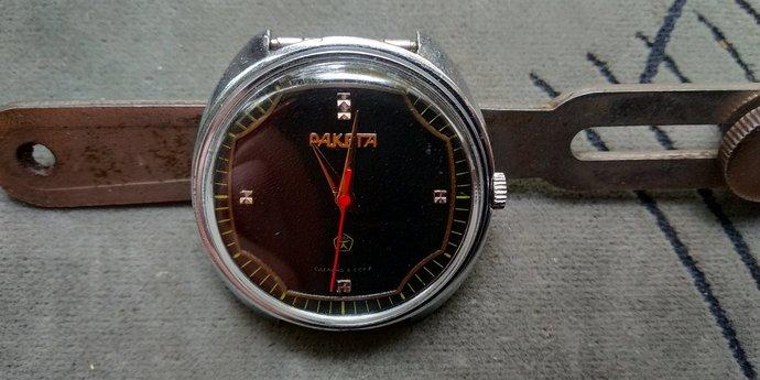 like new!!Men's watch RAKETA Petrodvorets factory black dial /Hand watch Raketa