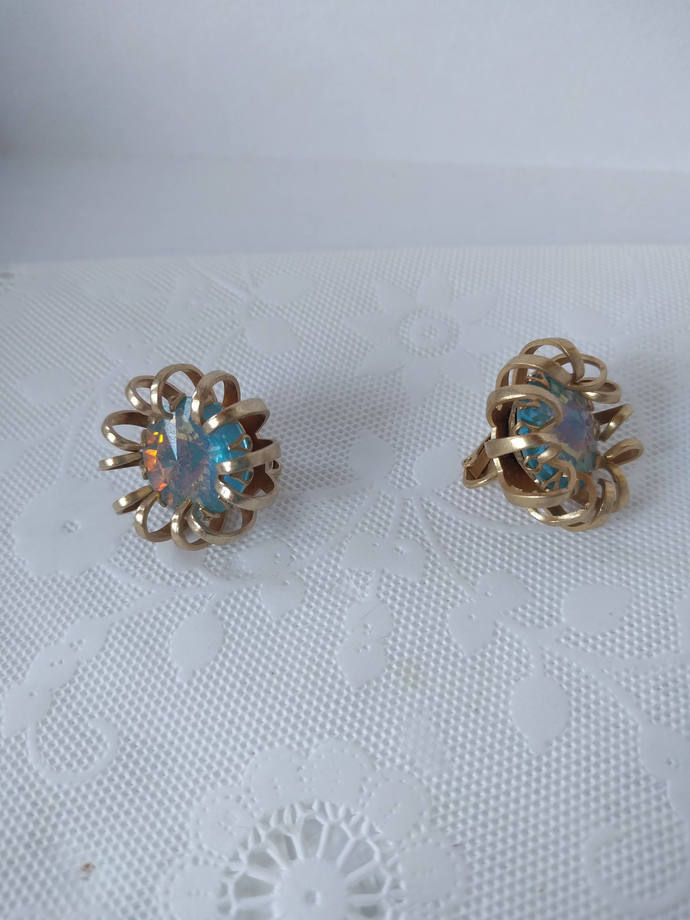 Sarah Coventry Fire Opalite Clip On Earrings