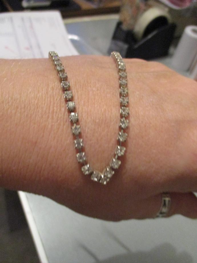 Vintage V Shaped Diamante Necklace