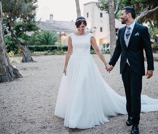 Simple Bateau A-line Bridal Dresses Cap Sleeves Lace Appliques Vestido De Noiva