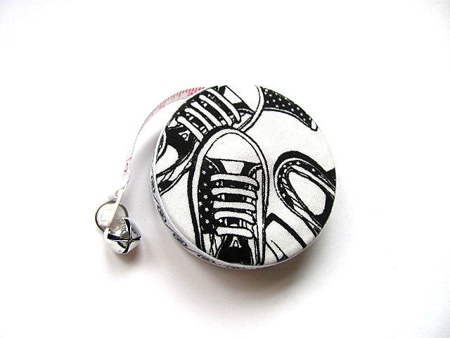 Retractable Tape Measure with Sneakers Measuring Tape