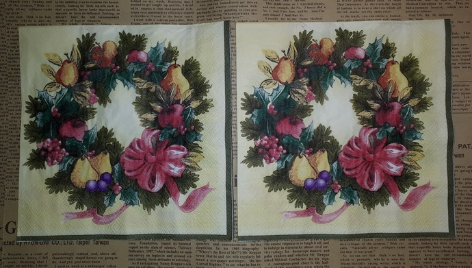 N136 Paper Napkins (Pack of 2) Christmas Wreath, Pears, Apples Grapes Ribbon Bow
