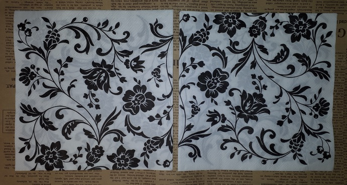 N142 Paper Napkins (Pack of 2) Black and White Floral Print Swirls