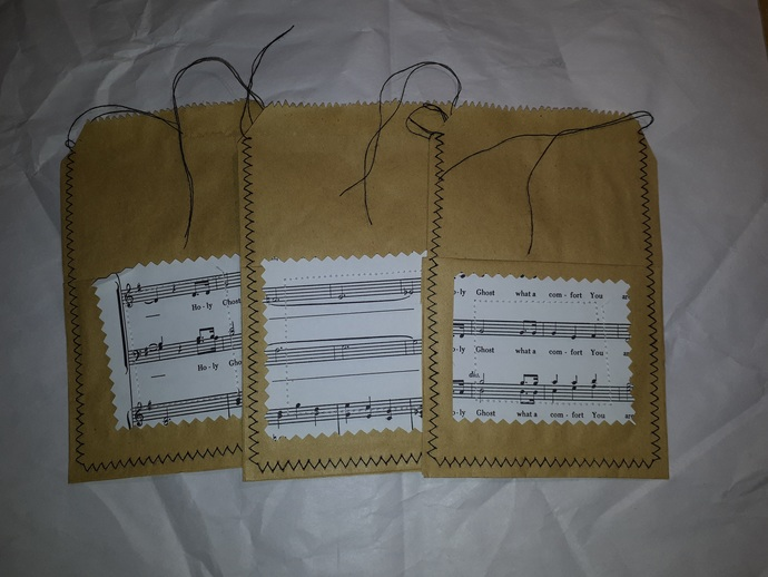 HM108 (2 Pieces) Machine Stitched Kraft Brown Paper Bags with Pocket with Music