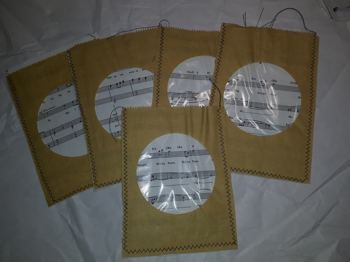 HM114 (1 Piece) Machine Stitched Kraft Brown Paper Bags with Clear Insert