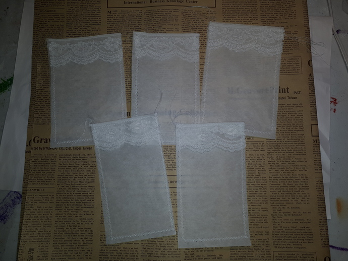 HM127 (1 Piece) Machine Stitched Baking Paper Pockets with Lace1