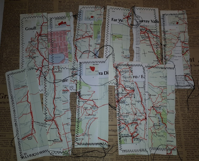 HM133 (2 Pieces) Machine Stitched Map Book Page Side Tuck Spots