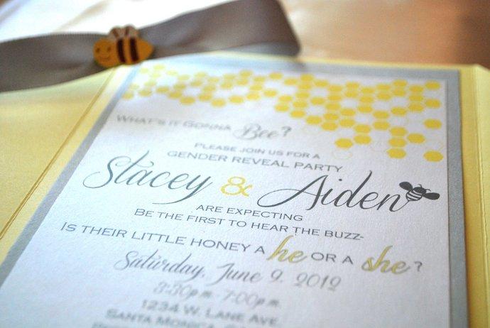 Bee Baby Shower/Gender Reveal Invitation