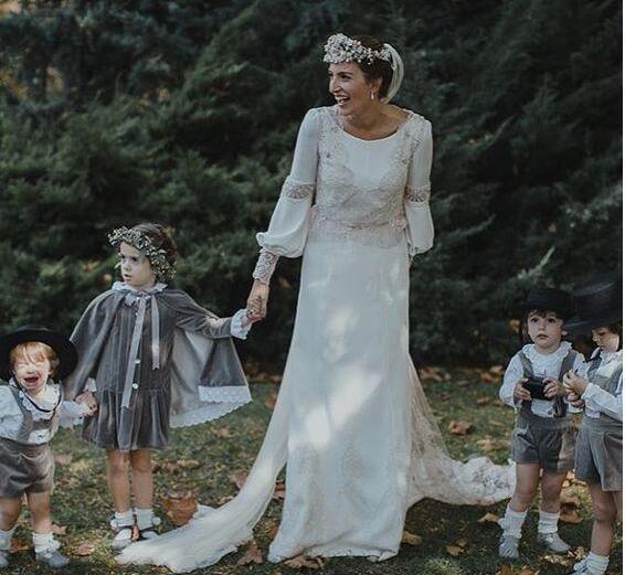 Amazing Boho Wedding Dresses Long Sleeve Lace Back Custom Make Country Bohemian Loose Bridal Wedding Gowns