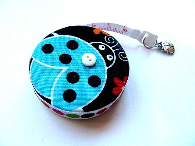 Tape Measure with Big Ladybugs Retractable Measuring Tape