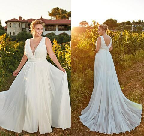 Bohemian Wedding Dresses V Neck Sweep Train A Line Flowing Lace Plus Size  Wedding Dress Custom Made Beach Country Bridal Gowns
