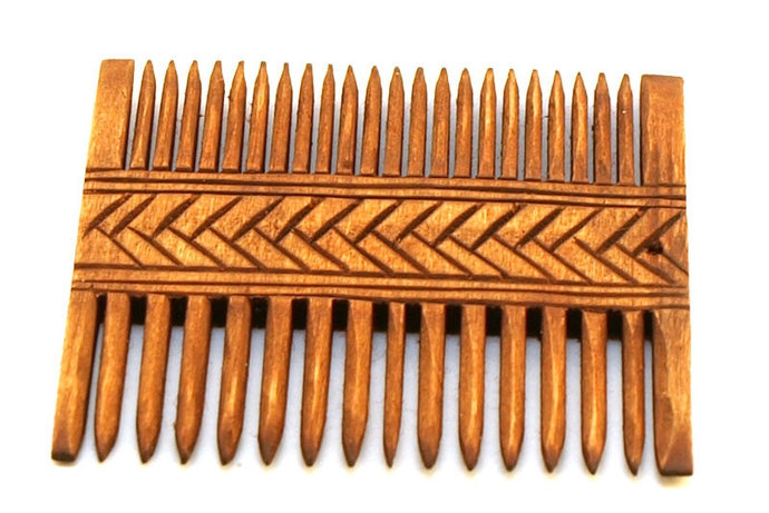 Viking Wooden Double Comb with circurlar pattern - Gross Raden (Germany), Early